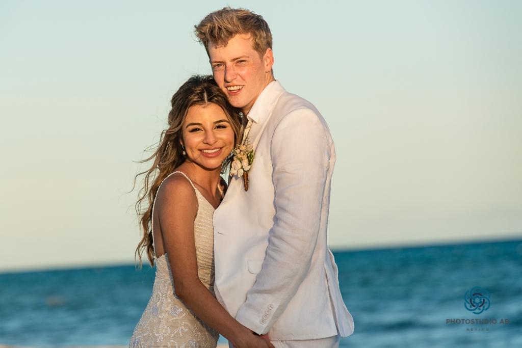 Elopement Playa del carmen Bride and Groom